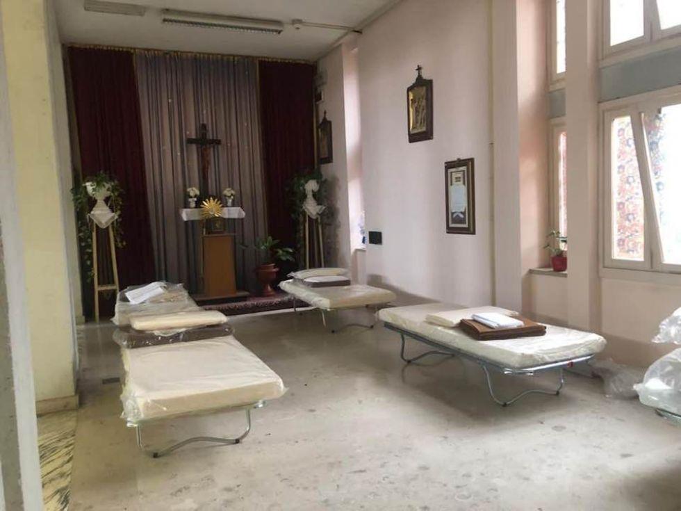 ORBASSANO - I posti letto al San Luigi nella chiesetta e sala convegni restano vuoti