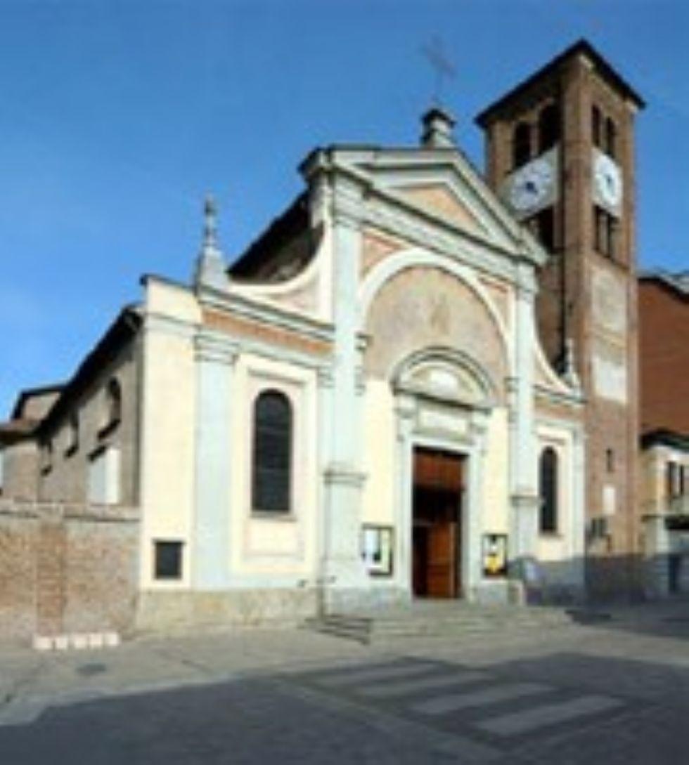 VINOVO - Il parroco decide per celebrazioni religiose ancora senza fedeli