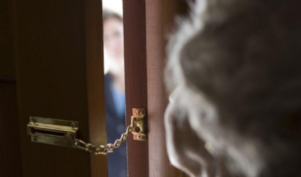 PANCALIERI - I truffatori del gas vengono smascherati ma fuggono prima dell'arrivo dei carabinieri