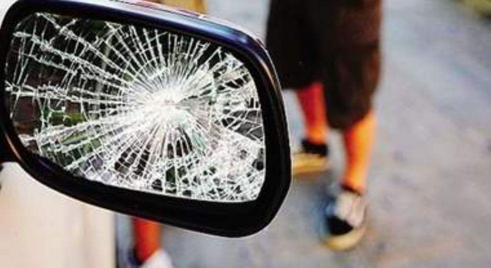 NICHELINO - Tentano la truffa dello specchietto in via Artigiani