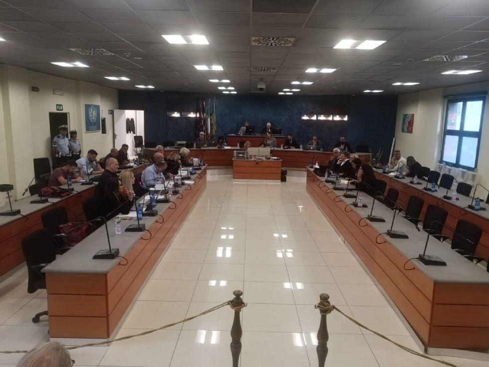 NICHELINO - Il sindaco Tolardo caccia l'assessore Sibona: 'Finita la fiducia'