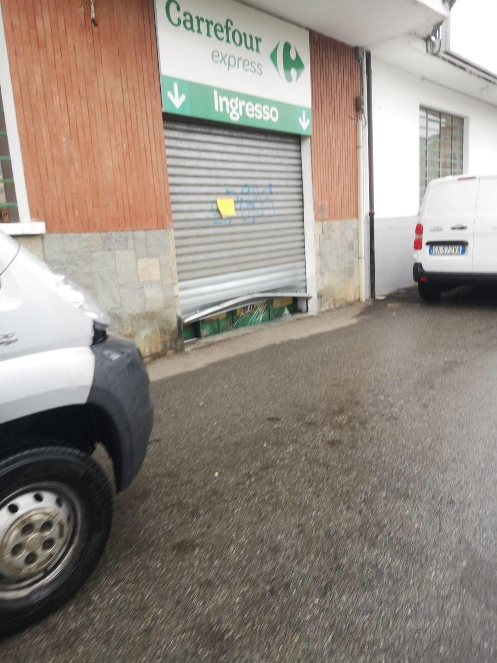 CRONACA - Supermercati nel mirino dei ladri: tre colpi nella notte scorsa