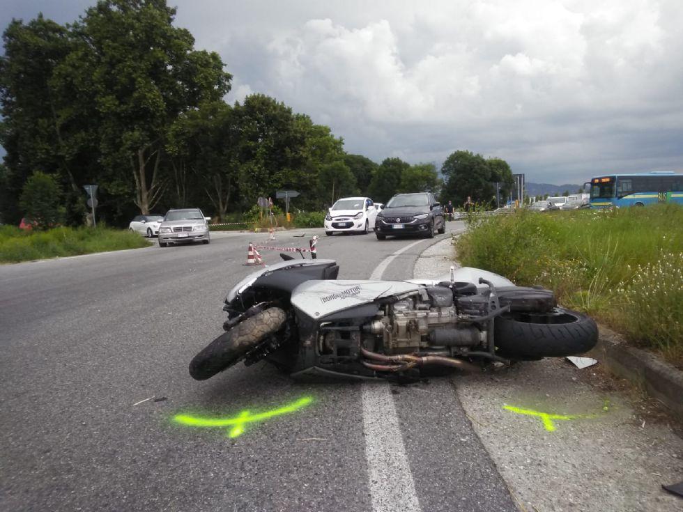 TRAGEDIA A NICHELINO - Incidente stradale: morto un uomo alla rotonda di Mondo Juve - FOTO