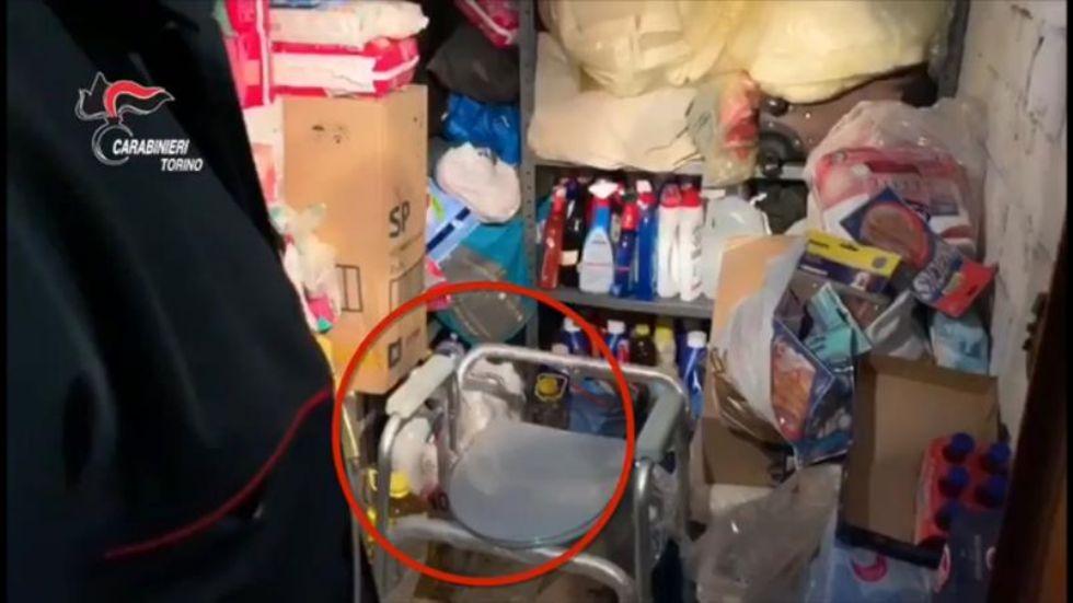 NICHELINO - Chiude pensionata in cantina: badante romena arrestata dai carabinieri - VIDEO