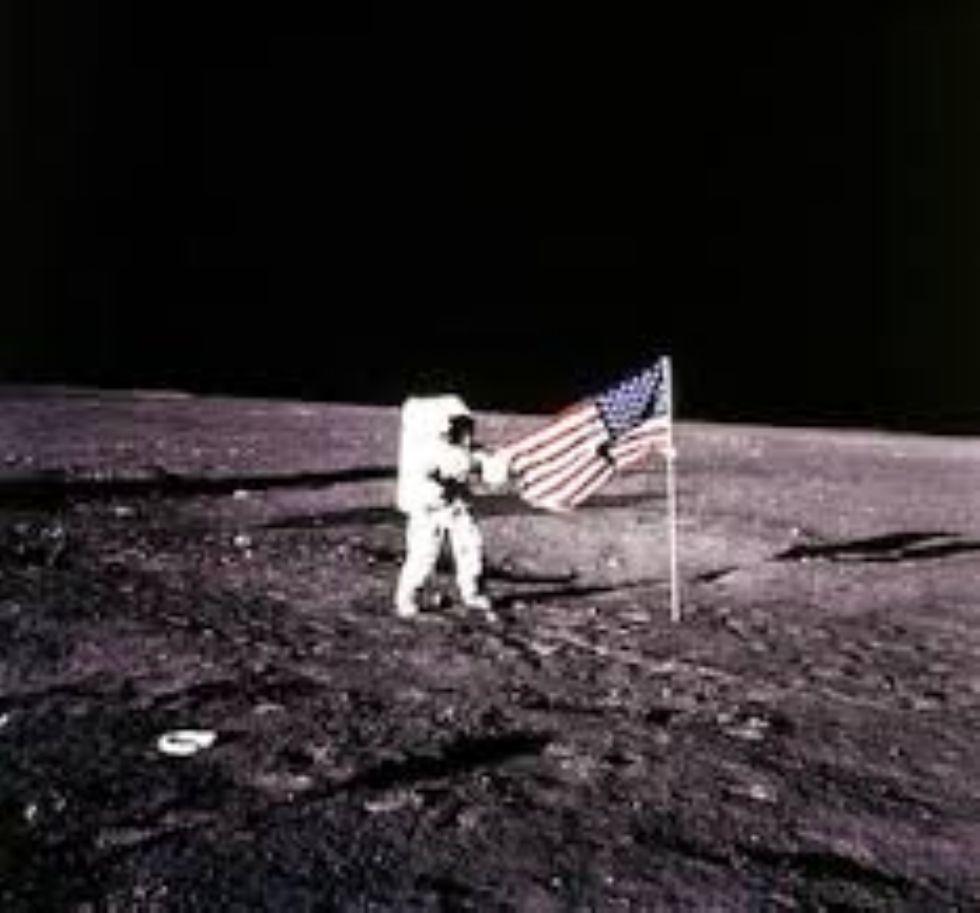 MONCALIERI - Il fascino della Luna al 45 esimo Nord per l'anniversario dell'impresa di Armstrong