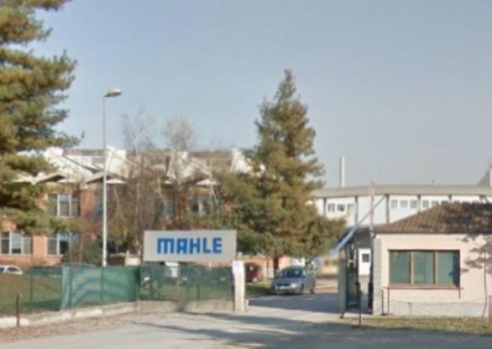 LA LOGGIA - Chiude la Mahle: 200 dipendenti rischiano di perdere il lavoro