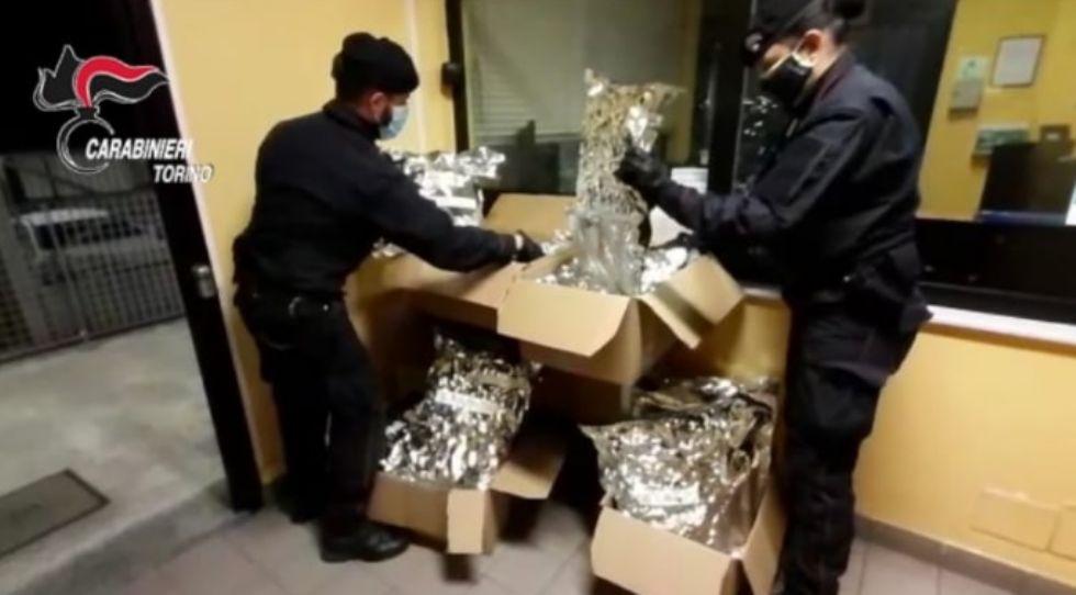 ORBASSANO - Traffico internazionale di droga: arrestati con 30 chili di marijuana nel tir francese
