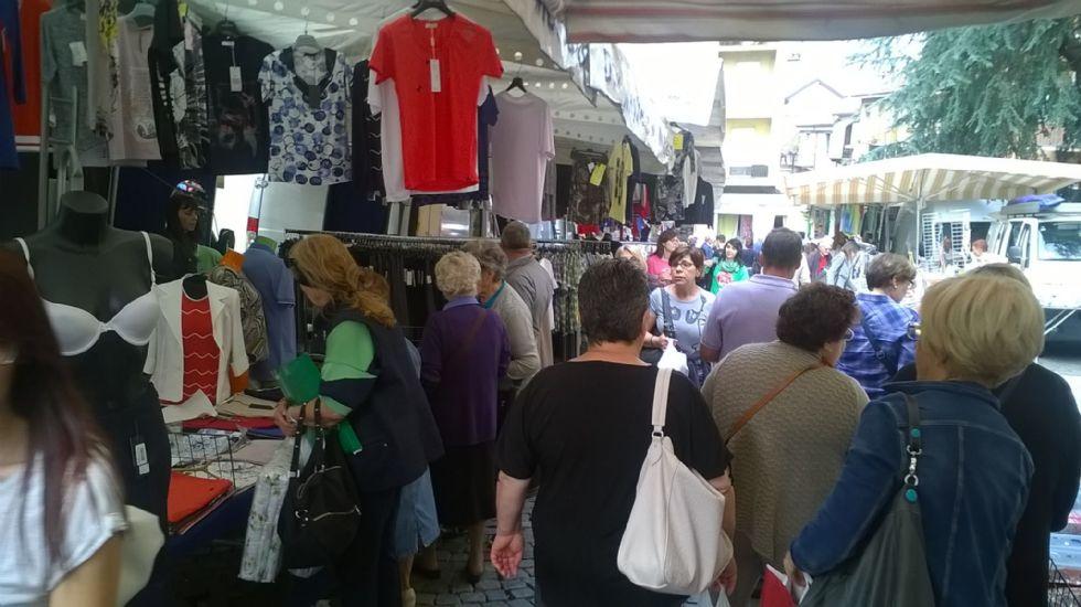 MONCALIERI - Da venerdì ritorna il mercato del centro storico