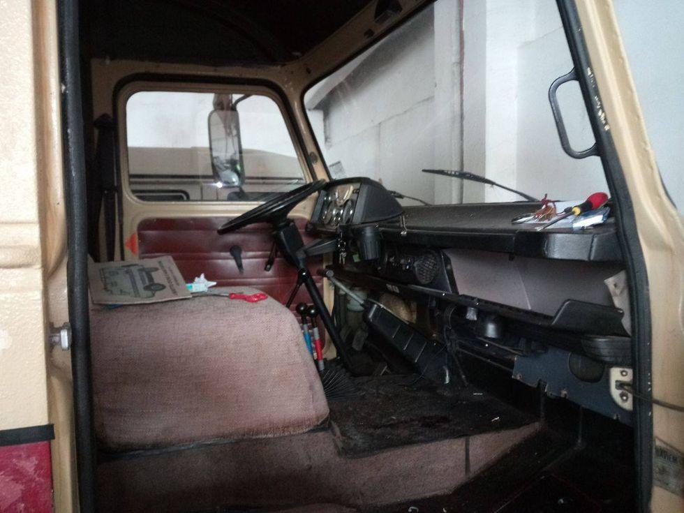 BEINASCO - Lascia le chiavi nel cruscotto del camion e glielo rubano. I carabinieri lo ritrovano