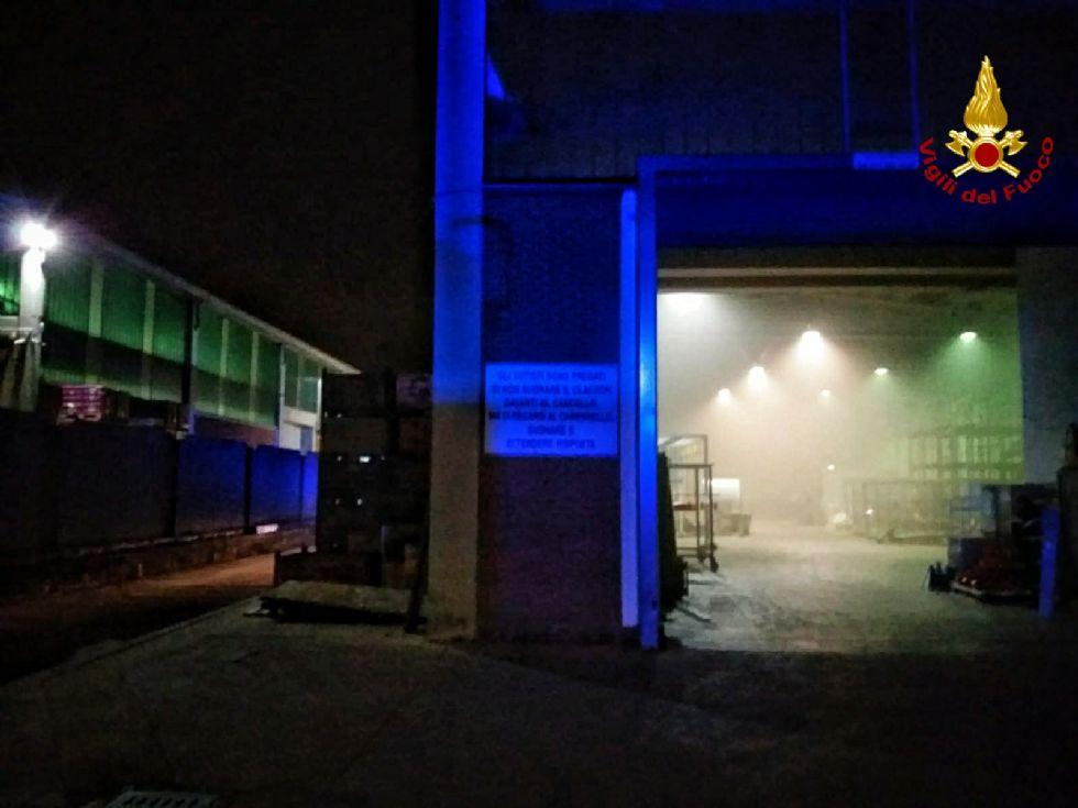 BRUINO - Incendio nella notte in un'azienza di vernici di via Volvera