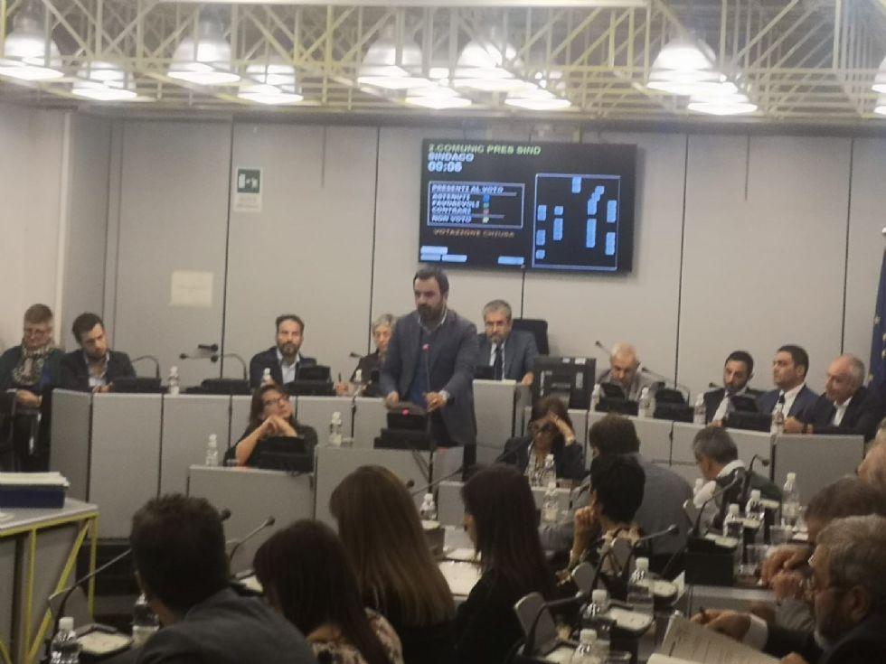 MONCALIERI - Scontro in Consiglio comunale sulla 'messa alla prova' del sindaco