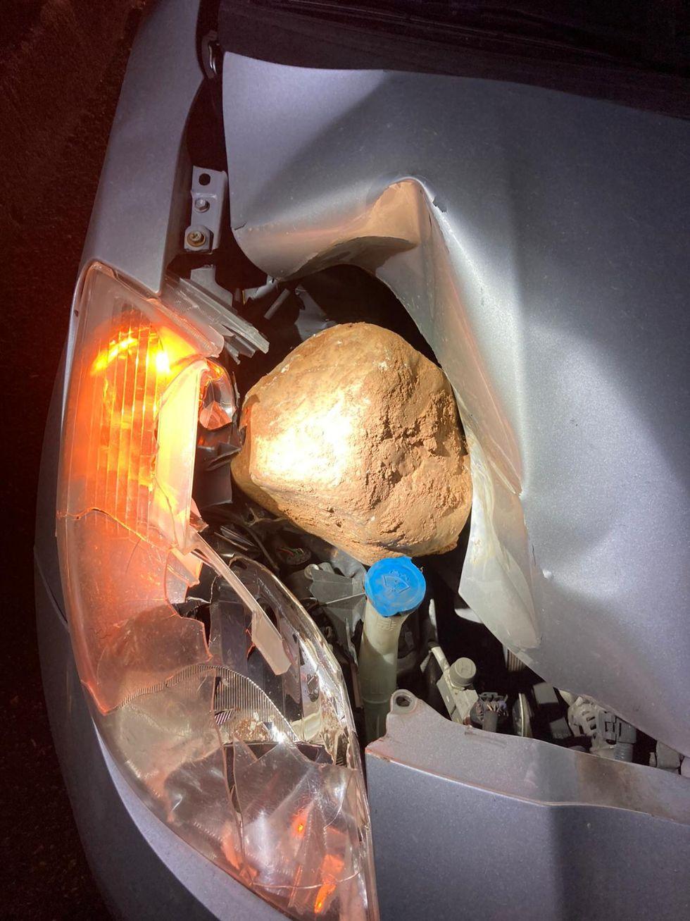 CRONACA - Rintracciati i minorenni che colpirono con un sasso in autostrada il lavoratore di Piossasco