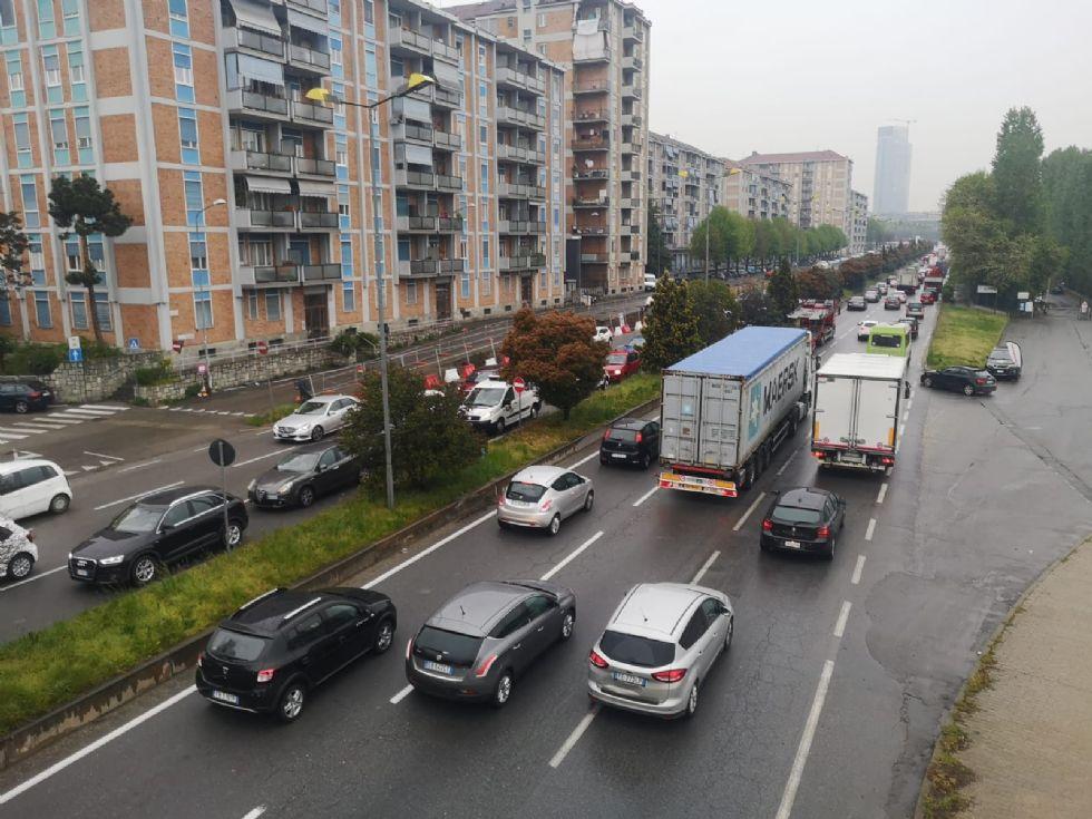 MONCALIERI - Caos cantiere e incidenti sulla sopraelevata: ad aprile la chiusura dei lavori