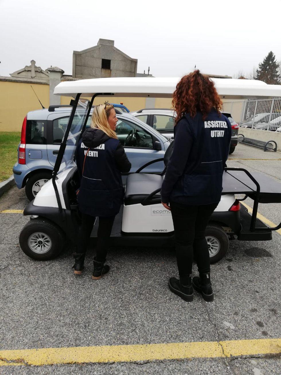 MONCALIERI - Al cimitero parte il servizio di trasporto per anziani e disabili