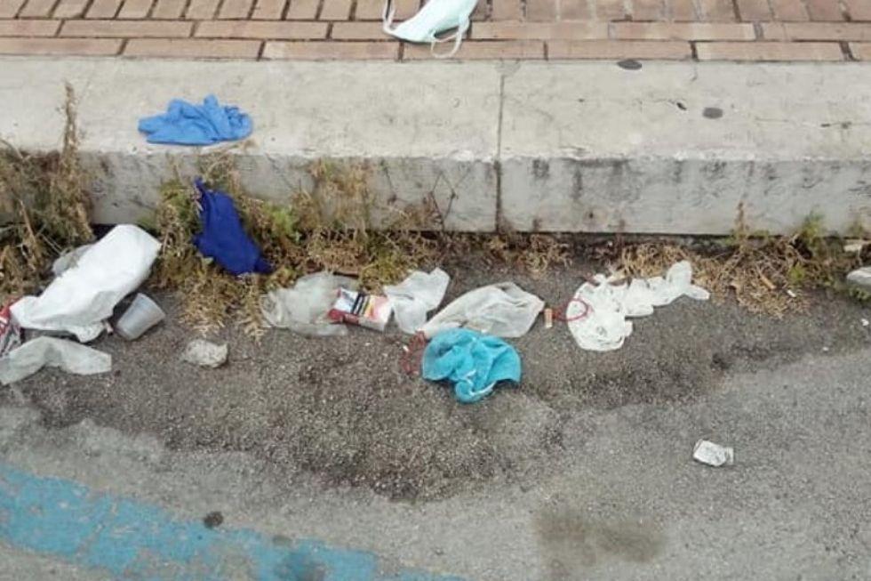 NICHELINO - Per la giornata dell'ambiente, maxi raccolta di mascherine e guanti abbandonati