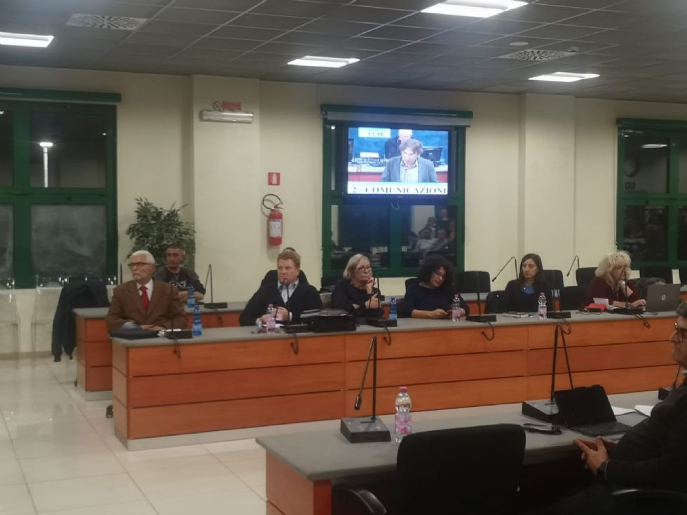 NICHELINO - Nuovo ribaltone in consiglio: in quattro passano all'opposizione