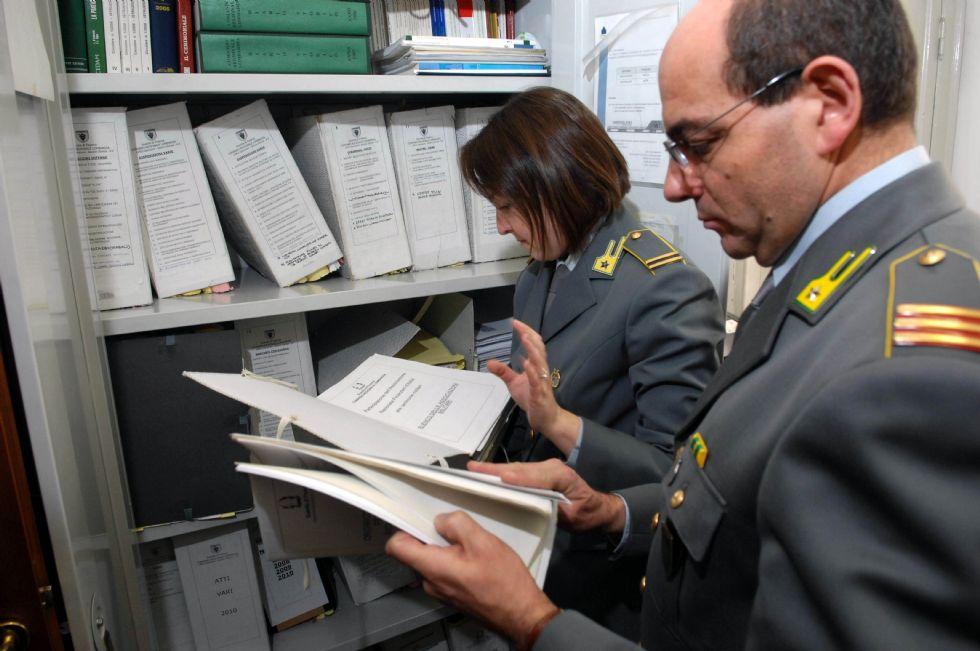 ORBASSANO - Indagine della guardia di finanza: nei guai un imprenditore di Pinerolo