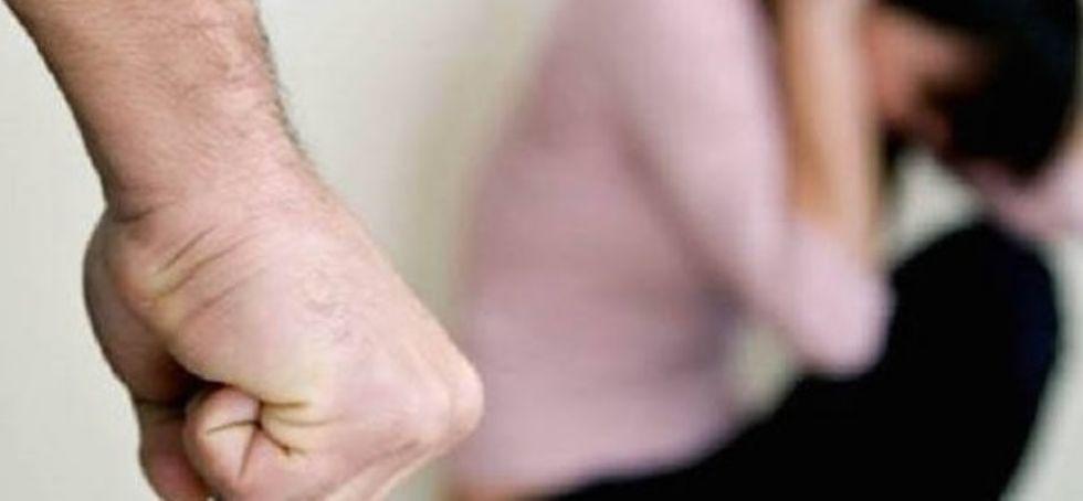 CARMAGNOLA - Violenze domestiche: donna in ospedale dopo le botte