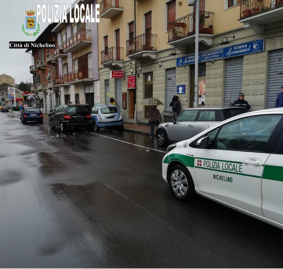 NICHELINO - Incidente in via Torino: una mamma ferita al Cto