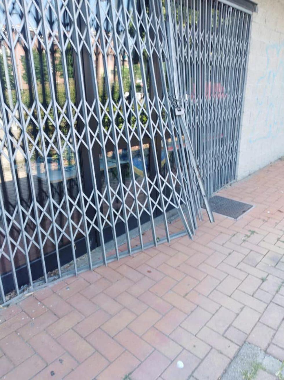 NICHELINO - Nuovo atto vandalico alla sede del quartiere Kennedy