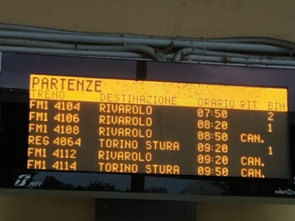 TRASPORTI - Sfm1: i treni annunciati non ci sono. Problemi tecnici indicano corse fantasma