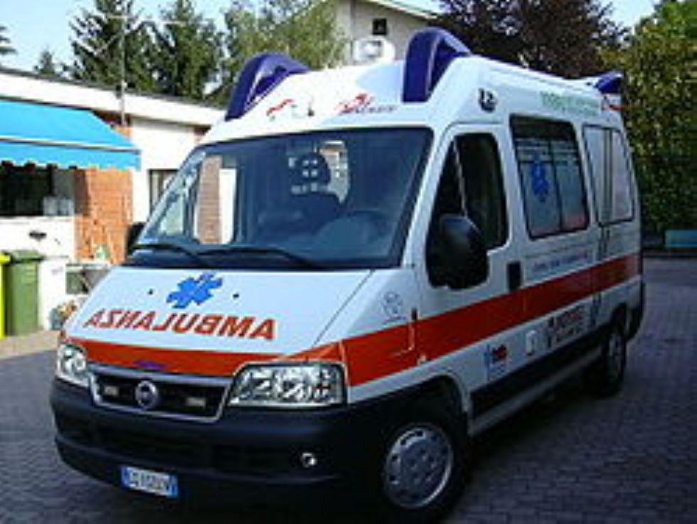 RIVALTA - Prima chiama il 118 poi dà di matto e devono intervenire i carabinieri