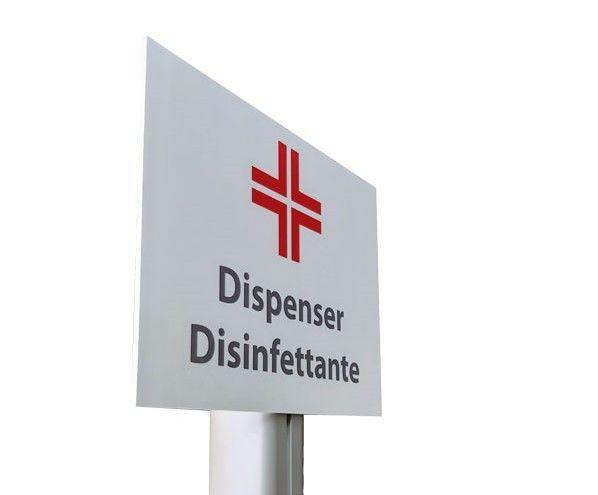 Dispenser di gel igienizzante e piantane, gli accessori necessari in negozi ed uffici