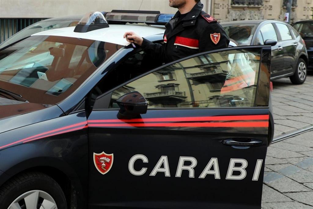 BEINASCO - L'ex sfonda la porta di casa di lei durante il pranzo Pasquale