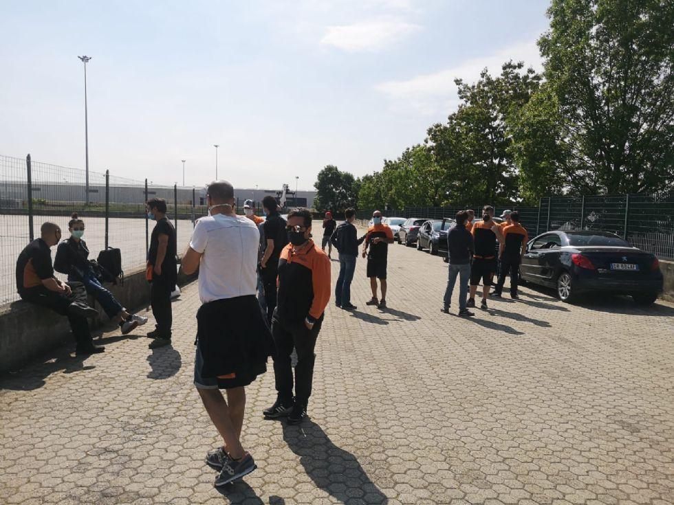 ORBASSANO - Sciopero di corrieri e magazzinieri Tnt-FedEx: 'Vogliamo la cassa integrazione'