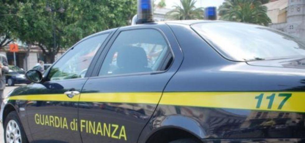 NICHELINO - Prodotti pericolosi e lavoratori in nero: cinque denunciati