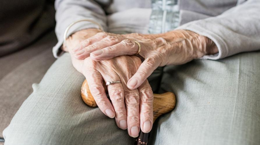 TORINO - Tamponi rapidi per le visite dei familiari nelle case di riposo senza covid