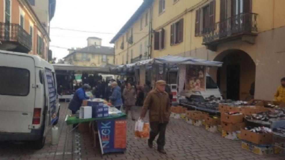 CARMAGNOLA - Dal 18 maggio il mercato torna in via Valobra e piazza IV Martiri
