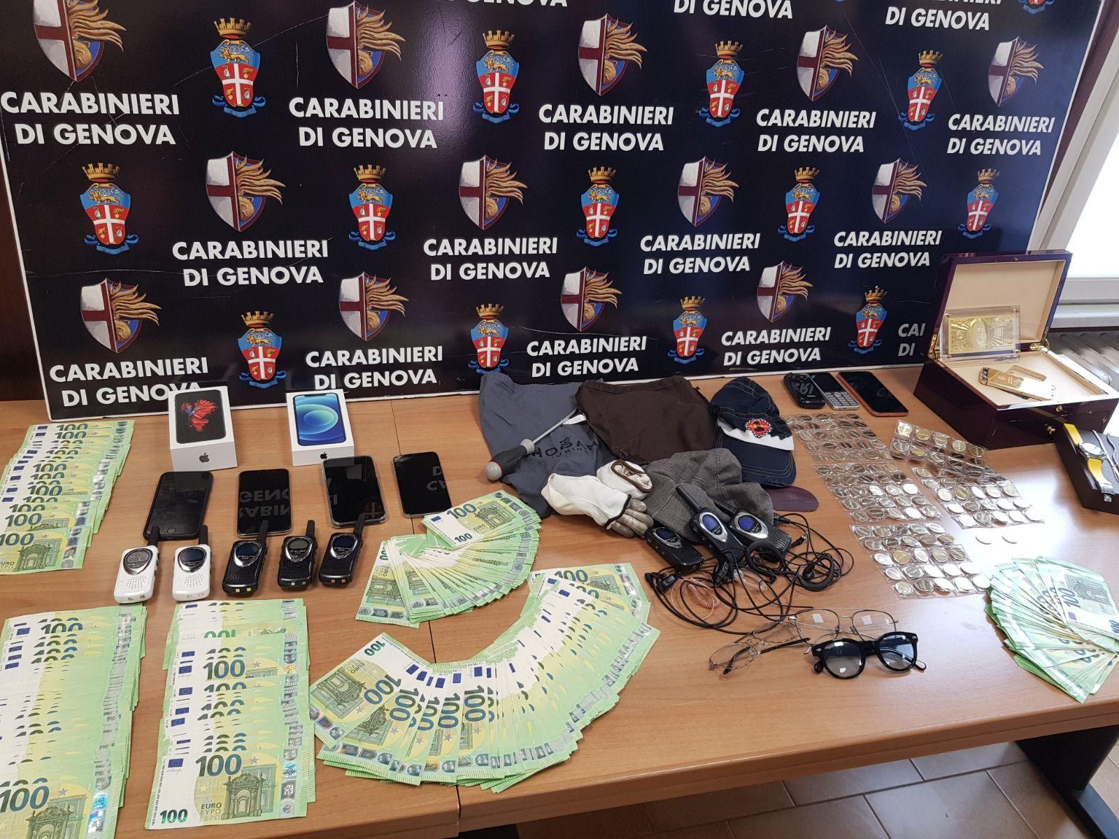 NICHELINO - Vince 33mila euro in gettoni d'oro a «Telemike» ma i ladri gli svaligiano la casa: presi