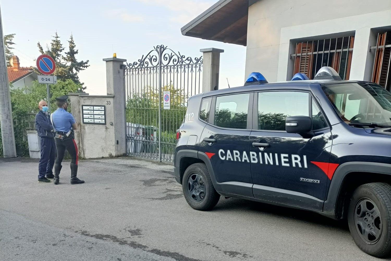 OMICIDIO - Sparano e uccidono il proprietario di casa che li sorprende durante il furto: assassini in fuga da Piossasco